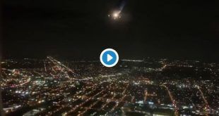 Avión en llamas de United Airlines aterrizó de emergencia (Video)