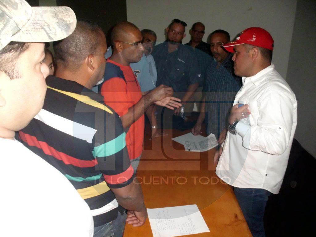 Gerente de Bolipuertos se reunió con transportistas de carga pesada que operan en los muelles